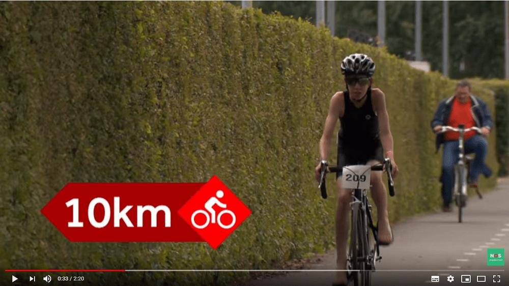 Jeugdjournaal op bezoek bij de triatlon